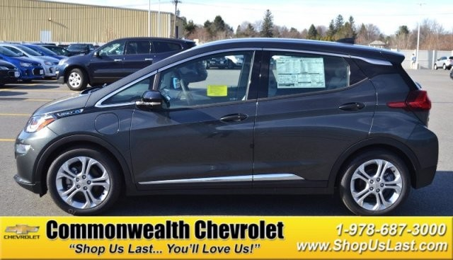 New 2017 Chevrolet Bolt Ev Lt Hatchback In Lawrence C5625