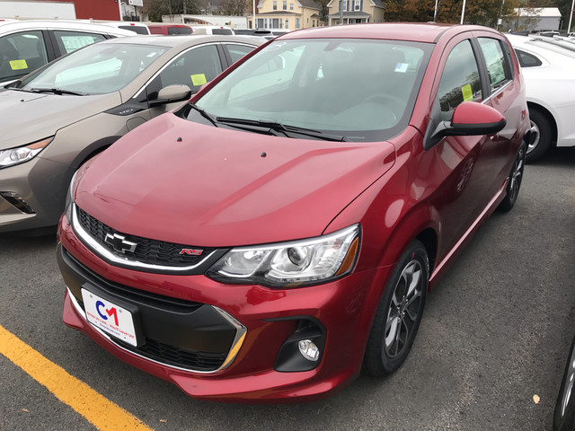 New 2018 Chevrolet Sonic Lt Hatchback In Lawrence C7203 Commonwealth Motors